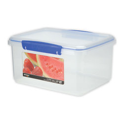 Sistema Klip It 3 Liter Food Storage Container - Unique shapes and comprehensive sizes of the cubed range of Klip-It products ensures maximum use of space in the fridge  freezer  and pantry.  Big enough to hold a bag of oranges or your other favorite foods for storage  efficient easy opening locking clips plus a rubberized seal of this 3 litre food storage container ensures that food stays fresher longer.  BPA Free  made in New Zealand from 100% lead free virgin materials.Product Features                                 Capacity - 3 Litre / 101 oz / 12 cups          Microwave  dishwasher  & freezer safe          BPA Free - Made from lead free virgin materials          Made in New Zealand