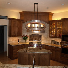 Rustic Kitchen by Ohana Construction Inc