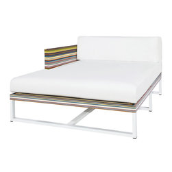 Mamagreen - Stripe Chaise Right - The Stripe Chaise Right Corner Sofa Combines highly weather resistant powder coated aluminum with durable textile. The seat cushions have been carefully designed for comfort and utility. Available in a variety of mesh colors.