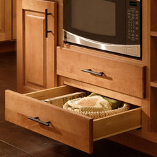 Traditional Kitchen Cabinetry by CliqStudios Cabinets