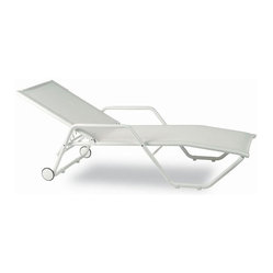 Kettal Gacela Stacking Lounger With wheels