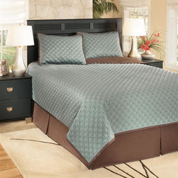 Signature Design by Ashley - 4 Pc Comforter Set (Queen) - Choose Size: Queen1 Oversized comforter. 1 Bed skirt (15 inch drop). 2 Pillow shams. DRY CLEAN ONLYMineral Color