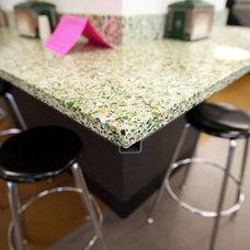 Kitchen by Latera Architectural Surfaces / Dorado Stone