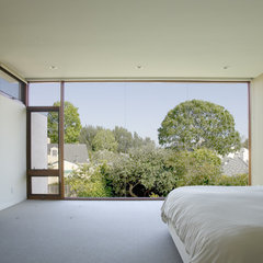 modern bedroom by Abramson Teiger Architects