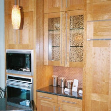 Modern Kitchen Cabinetry by Cardinal Cabinetworks