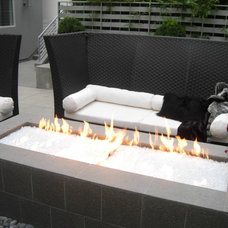 Modern Fire Pits West Side - Los Angeles - courtyards