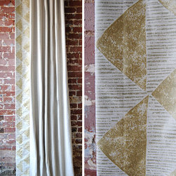 Gilt Triangles Panel - Gilt Triangles Panel - A gorgeous solid neutral linen with a metallic triangle pattern trimmed down the leading edge in a wide band. Choose from standard sizes or make them custom to fit your space! High quality blackout lining is standard. info@marthaandash.com