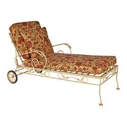 Outdoor Furniture Restoration - Wrought Iron Chaise Lounge Restoration