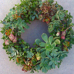 Traditional Holiday Outdoor Decorations -