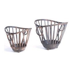 Vintage Chic Home - Set of 2 Market Baskets - Highlight your garden area with the wonderful Set of 2 Market Baskets. This vintage farmhouse style planter has given nailed detailing on both top as well as bottom line. Each set is completed with handles in order to provide an ease of portability for cleaning or any other purpose. The pattern of this set is so stylish that enhances its look even more.