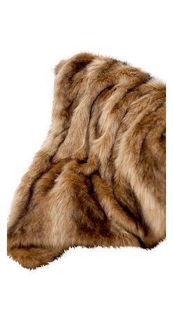 Woven Workz - Ibex Multi faux fur fiber Throw - Take this stylish throw to the bed, couch, porch - anywhere you want to kick back and relax. Its irresistable texture will add definition to any room. Boucle afghan throw. A soft texture with unique color variations in the yarn. Ideal for any room.