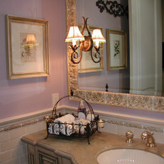 traditional powder room by Kelly Darling Spadoni - Darling Interiors