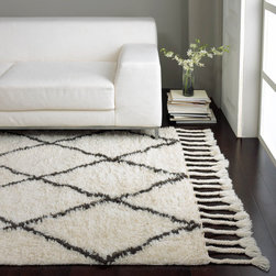 Nuloom - nuLOOM Hand-knotted Moroccan Trellis Natural Shag Wool Rug (10' x 14') - Inspired from Morocco,this hand-knotted trellis shag rug is made of 100-percent wool. Both ends contain hand-braided tassels. With a soft and plush pile,make your space feel right at home.