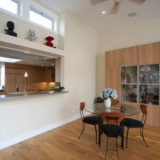 Modern Family Room by Hamilton+Aitken Architects