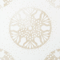 Walls Republic - Snowflake Gold Wallpaper R1448, double roll - No two snowflakes are alike. This sizeable medallion snowflake wallpaper depicts two differing large scaled snowflakes in a shimmering metallic finish for a snowy sparkle. Add a bright winter wonderland to your interiors with this wallpaper in a range of neutrals and bright hues. Let that picturesque winter glow illuminate your home all year round. Use it in yourbedroom for an enchanting effect.