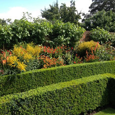 Restoration House, Rochester, England Herbaceous border