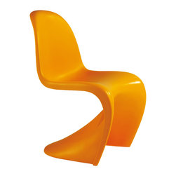 Panton Style S Chair, Orange - In the early sixties, the danish designer Verner Panton together with the Vitra realised an idea which had preoccupied him for many years by producing a plastic chair from a single molding. In 1967, the panton chair went into mass production. It was immediately regarded as a sensation and won many awards. One of the first chairs is exhibited in the museum of modern art, new york, today the panton chair belongs to the classics of modern furniture design.