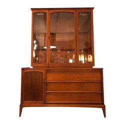 and can be used with or without the display cabinet. The lower cabinet ...