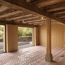 Traditional  by Sullivan Building & Design Group