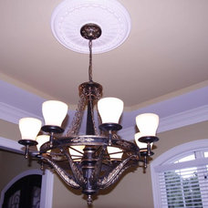 Traditional Dining Room by Grainda Builders, Inc.