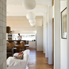 whitewashed-timber-ceilings-interior-cozy-house-design3.jpg