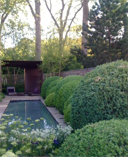 modern pool Cloud Pruned Buxus The Laurent-Perrier Garden Chelsea Flower Show 2010