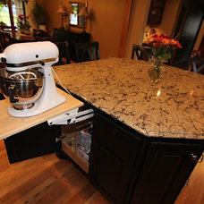 Traditional Kitchen by Platinum Remodeling