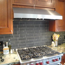 craftsman kitchen tile by THE KITCHEN LADY, Enriching Homes With Style