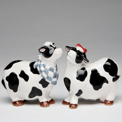 ATD - 3.25 Inch Cow with Bandana and Cow with Bow Salt and Pepper Shakers - This gorgeous 3.25 Inch Cow with Bandana and Cow with Bow Salt and Pepper Shakers has the finest details and highest quality you will find anywhere! 3.25 Inch Cow with Bandana and Cow with Bow Salt and Pepper Shakers is truly remarkable.