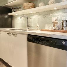 Contemporary Kitchen by KADesign