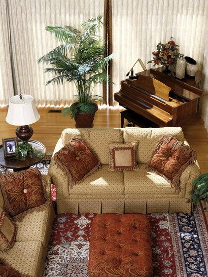 Traditional Living Room by Susan Brunstrum of SWEET PEAS DESIGN INC