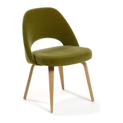 Saarinen Executive Chair | 2Modern - I'm not sure why, but I imagine this comfy-looking chair at a retro dinner table. Comfort is important while eating.