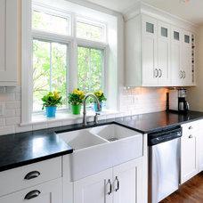 Traditional  by Barbara Purdy - Purdy & Associates Design