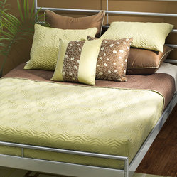 Rizzy Home Studio 7 Piece Bedding Set