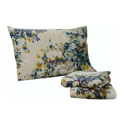 None - Tribeca Living Casablanca Floral Printed Deep Pocket Sheet Set - Update your bedroom with the sophisticated multicolored floral printed Casablanca sheet set. Woven of 300 thread count cotton sateen, this set includes an oversize flat sheet and extra deep pocket fitted sheets.