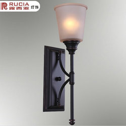 Wall Light with 1 Light in White Shade