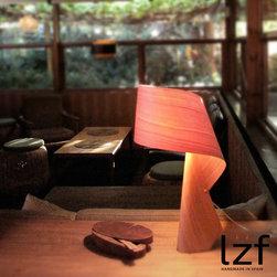 LZF Air Table Lamp - Air-M, visual stability