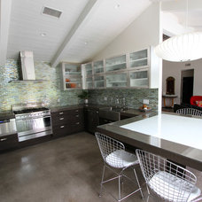 Modern Kitchen by m.a.p. interiors inc. / Sylvia Beez