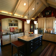 Traditional Kitchen by Bruce Frasier Architects, P.C.
