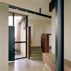 Modern  by Robert Young Architects
