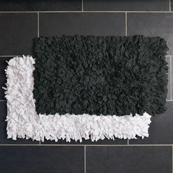 Recycled Jersey Bath Mat - Sometimes going with a pattern on a bath mat can be too much. Just adding great texture, like with this rug, can give a space a sense of calm and depth without being too busy. It simply adds a layer of coziness.