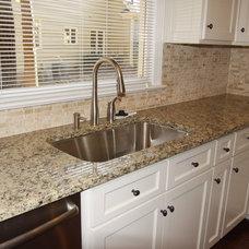Traditional Kitchen by Grainda Builders, Inc.