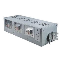 Nora Lighting - NMRL-13 3-lt MR16 Low Volt Multiple Recessed Housing - Features: