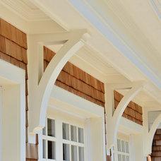 Traditional  by JB Robbie Builders Inc.