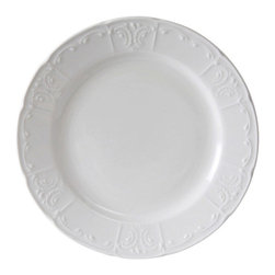 Tuxton - Chicago 6 inch Plate Embossed Pattern in Porcelain White - Case of 36 - Chicago's traditional embossed design has the flexibility to be used for both casual and fine dining, appealing to the finest of tastes.