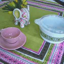 Rare Vintage Tammis Keefe Modern Pink & Green Tablecloth - A quick and easy way to make your dining room table mid-century modern is to find a great tablecloth from the era.