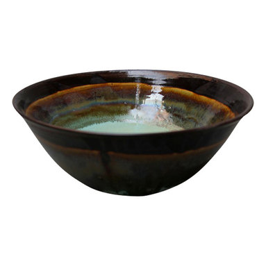Copper Lip Serving Bowl #2 - This bowl will make any dish look extra delicious! Wonderful, large serving size. Perfect for a big salad or tossing pasta with sauce, even for setting out chips with some extra flair.  This large versatile bowl will be a staple at the table every day.