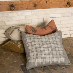 Cricket Radio Shelburne Collection - Heavyweight textured Italian linen showcases the Shelburne Plaid and Floral pattern on generous 20inch square throw pillows.  Zipper closure cases are pre-washed and preshrunk and come complete with a 10/90 down insert.