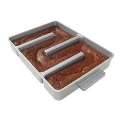 Inova Team -Brownies Modern Mold - Innovative nonstick pan adds at least two chewy edges to every brownie.