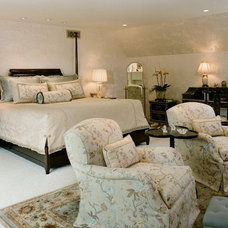 Traditional  by Connie McCreight Interior Design